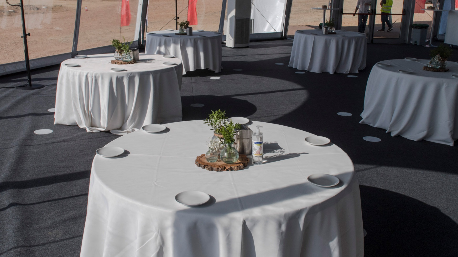 Inauguration of the floating photovoltaic solar plant on the Sierra Brava reservoir (Extremadura). Cocktail area